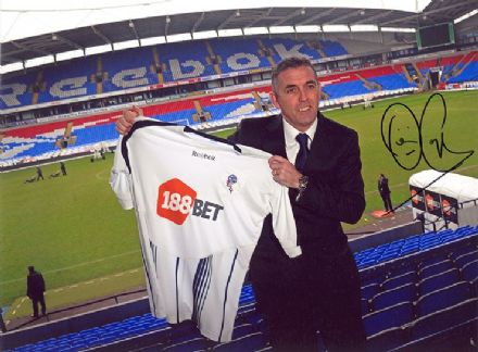 Owen Coyle, Bolton Wanderers, signed 11x8 inch photo.